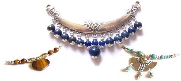 entre deux intercalaires bijoux fantaisies
